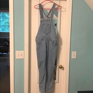 Women's Levi's overalls. Worn once!